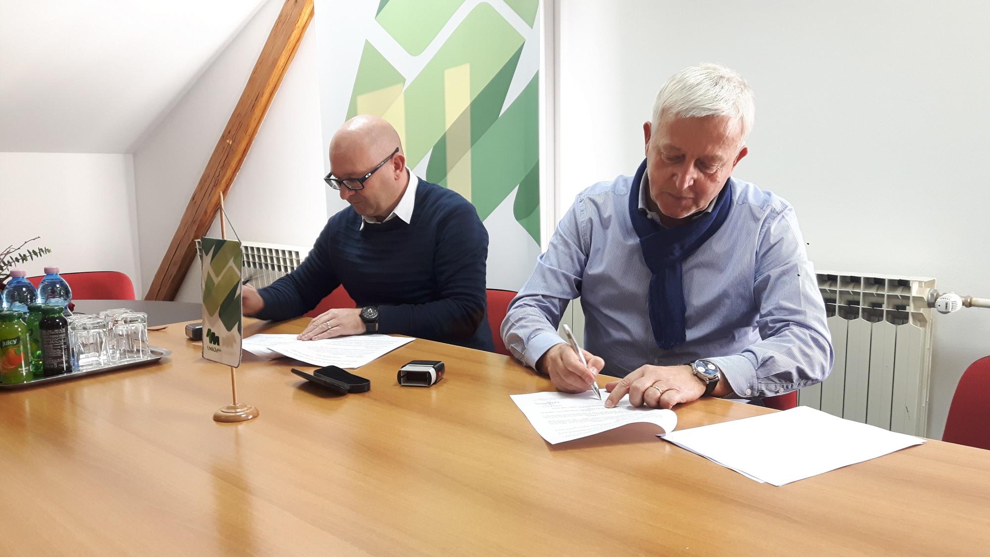 Potpisivanje ugovora o izgradnji mrtvačnice Sv.Lovreč